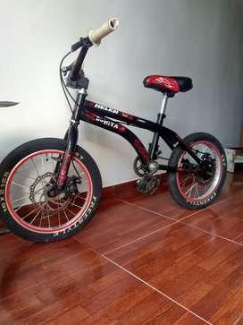 Se vende bici para niño.a de 3 a 7 años