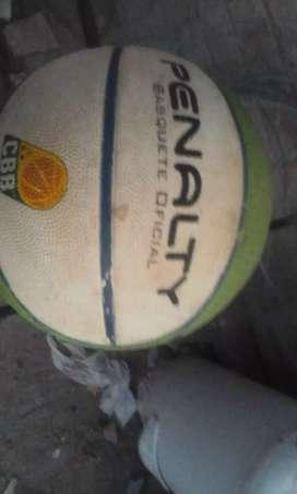 Vendo pelota penalty usada en buen estado