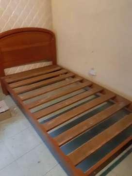 Cama de madera de plaza y media