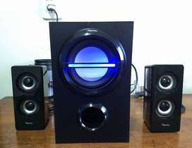 Parlantes Home Theater 2.1 - Harrison
