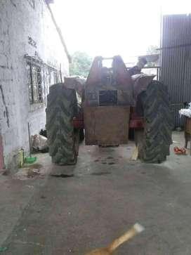 Vendo un  tractor  internacional
