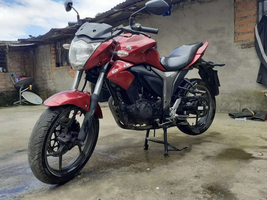Moto zusuki GSX 150 0