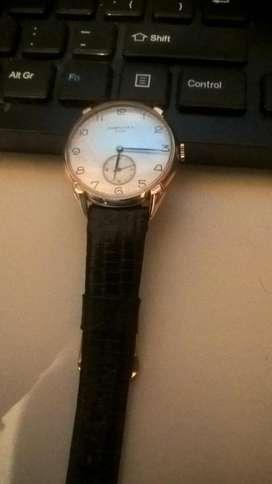 antiguo reloj pulsera a cuerda Longines