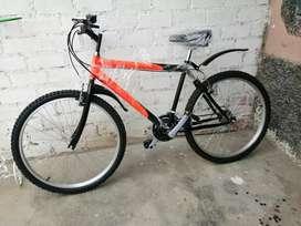 Bicicleta nueva o kilómetros aro 26 de aluminio..