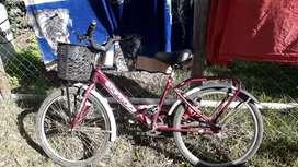 Bicicleta como nueva solo 3 uso