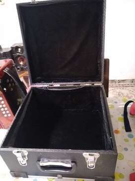 Vendo acordeon 3 ileras 12 bajos
