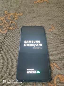 Vendo teléfono celular A70 2019 original seminuevo