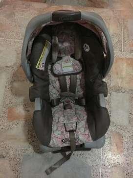 Silla porta bebe, para el carro y mecedora marca GRACO