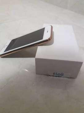 Se vende iphone en perfecto estado color dorado