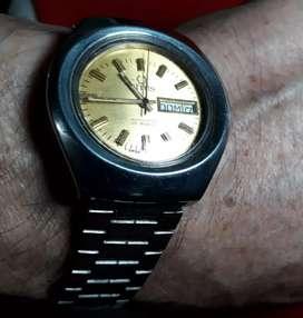 Vendo cambio bonito reloj TITUS automático  suizo