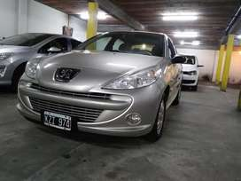 Peugeot 207 Compact hdi 1.4 diesel 2012 con 87000km calle 62entre3y4