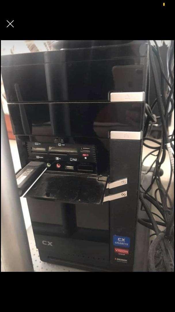 Computadora de escritorio 0