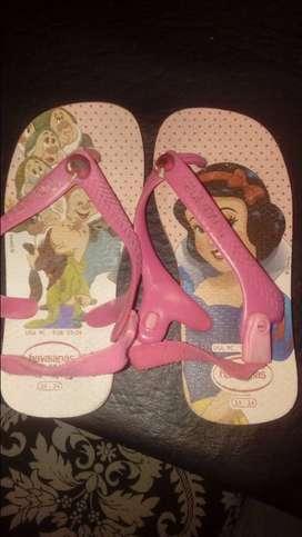 Sandalias, zapatos y zapatillas