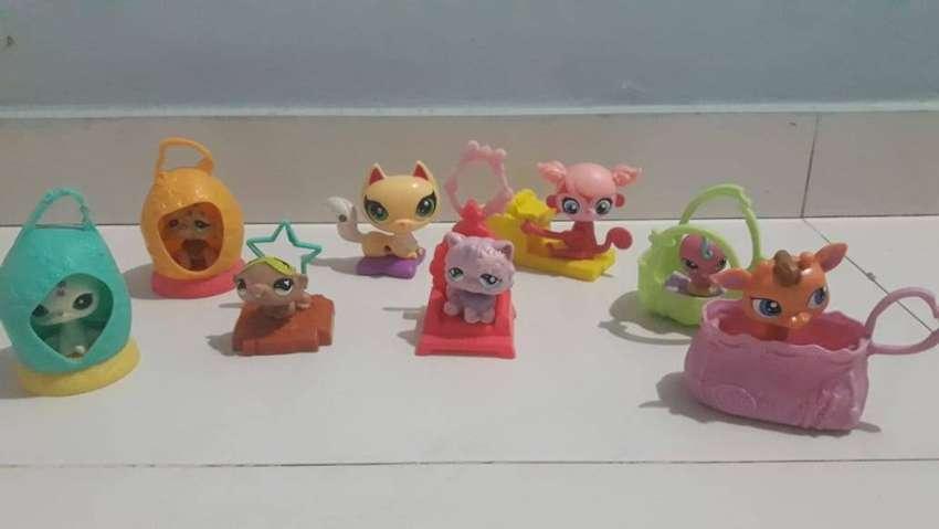 Muñecos pequeñas mascotas