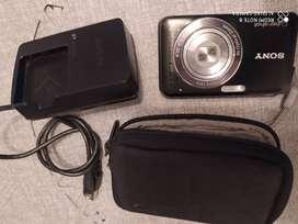Cámara Sony Cybershot 12.1 megapixeles-Zoom óptico X4