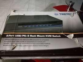 CONMUTADOR USB/PS/2 DE MONTAJE EN  BASTIDOR DE 8 PUERTOS TK-803R