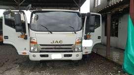 vehiculo grua jac modelo 2021