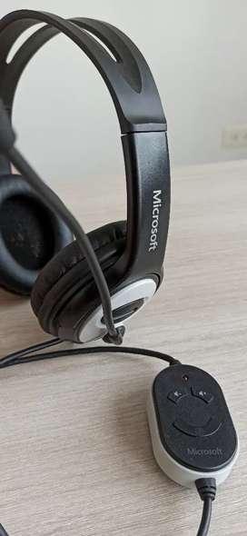Audífonos con micrófono de alta calidad (suprimen ruido de fondo) - marca Microsoft LifeChat LX-3000 Negro