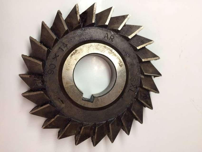 Fresa de 90 mm de diámetro x 14 mm ancho , nueva o permuto por otra herramienta.