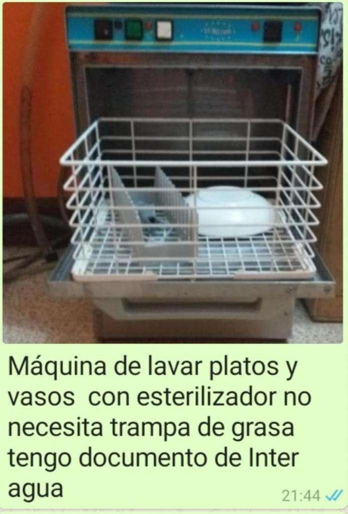 Lavadora de Vasos Y Platos 0