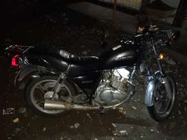 Vendo moto suzuqui
