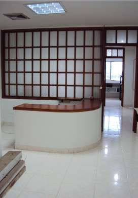 AAA Fabulosa oficina excelente ubicacion Centro Comercial  Santa Lucia