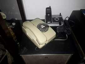 Es un teléfono antiguo mod. /86 intelsa