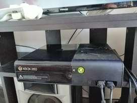 Xbox 360 disco de 250 con 100 juegos, dos controles