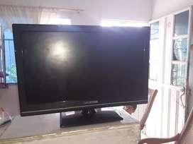 """Vendo TV de 14"""" bien estado sin control."""