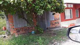 Vendo lote de 6 × 15  con Servio de alcantarillado  a 30 metros del barrio yuldaima en mariquita tolima