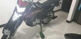 Se vende  o se cambia a xtz660 modelo 17 en adelante