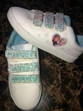 Zapatos Americanos Nuevos Frozen talla 12