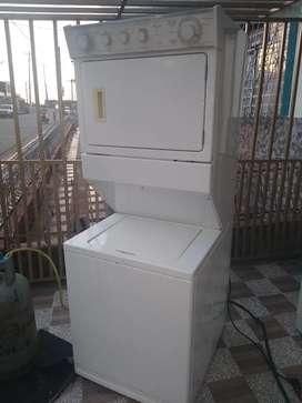 Lavadora secadora torre Whirlpool 22 libras