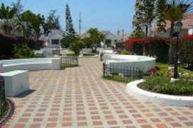 Casa de Alquiler Salinas con Piscina