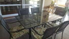 Juego hierro, vidrio y ratan de mesa con 6 sillas
