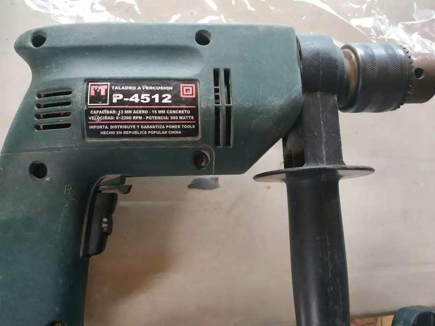 Vendo taladro a percusión 2200 rpm 0