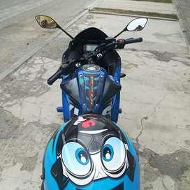 MOTOCICLETA SUZUKI GSX 150