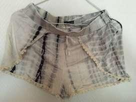 Short batik advanced talle 14 impecable