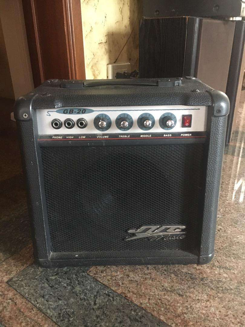 Amplificador GB-20 JVC Music 0