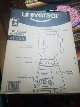 LICUADORA DE 4 VELOCIDADES MARCA UNIVERSAL
