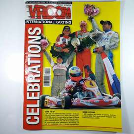 Revista de karting Vroom año 2004 de italia, en ingles