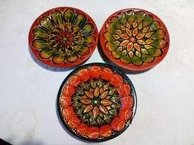Vendo 3 Platos de Ceramica con Gancho