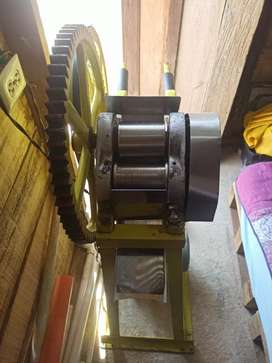 Maquina de hacer guarapo