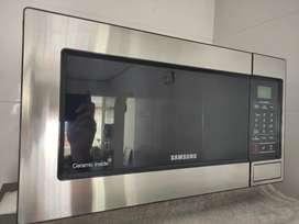 Horno Microondas Samsung 0.8 pies panel digital