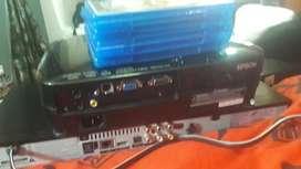 Proyector epson y bluray con 10 peliculas
