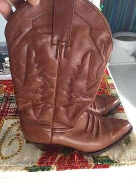 Venta de finas botas para dama