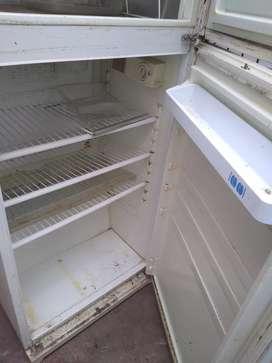 Vendo heladera sin gas,con freezer