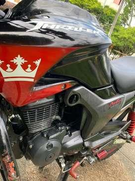 Moto thriller 150 BUEN ESTADO Y FUNCIONALIDAD Tanto mecanica como electrica, algunos detalles de lujo se pueden apreciar