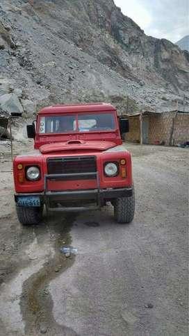 Vendo Land Rover Defender 90 Rojo
