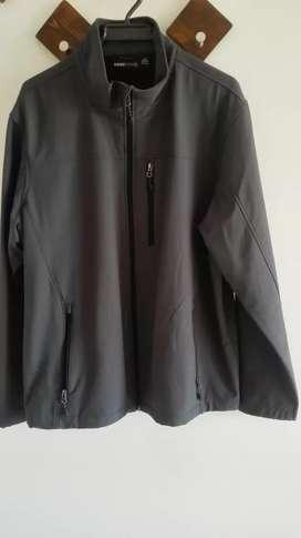 Hermosa chaqueta original Swiss Tech.